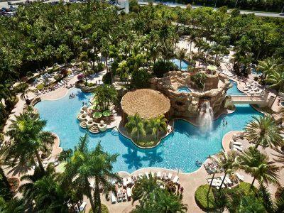 Việt Nam lọt top 25 bể bơi tráng lệ nhất