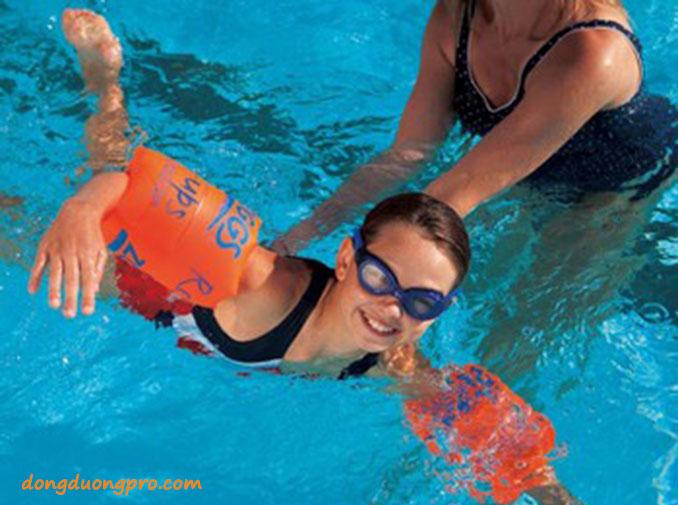Dụng cụ tập bơi - Điều kiện kinh doanh hồ bơi