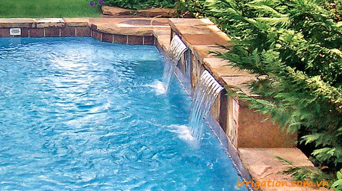 Thiết kế thác nước bể bơi Tường ốp đá chẻ tự nhiên