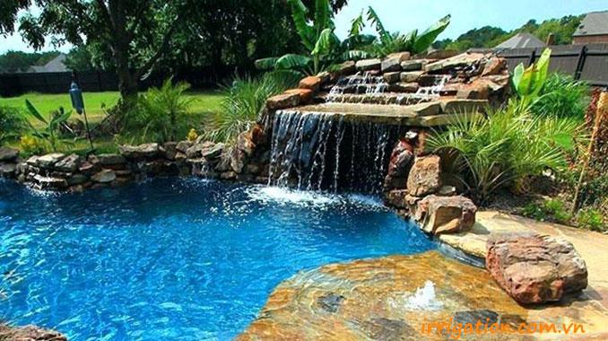 Thiết kế bể bơi có thác nước tràn