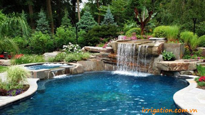 Thiết kế thác nước bể bơi bằng đá tự nhiên xếp chồng lên nha